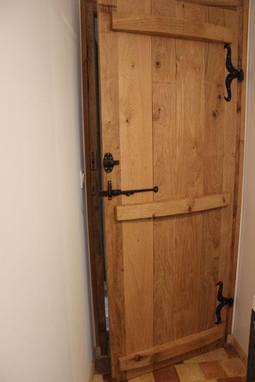 Menuiseries portes d 39 entr e fen tres portes d for Porte interieur isolante