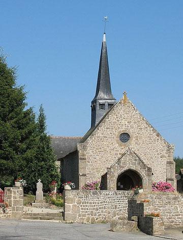 Son église du XVe siècle, aux murs de granit