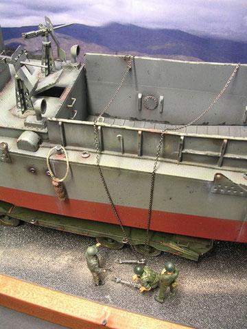 Die MGs müssten eigentlich für den Transport abgebaut und verstaut sein.