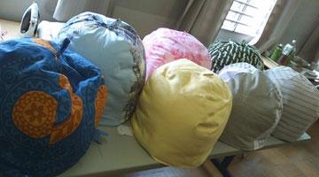 色とりどりの鍋帽子