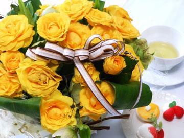 MOC.A+オープンのお祝にと贈ってくださったお花です。温かいお気持に支えられている事に改めて感謝します。 ありがとうございます。