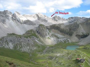 Blick auf die Seescharte (2664m), oberhalb der Memminger Hütte, Übergang zur Oberlochalm