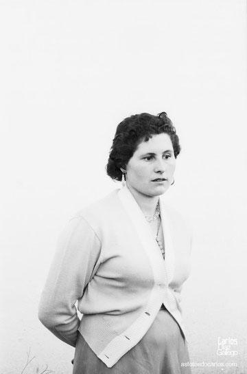 1958-muchacha-fondo-blanco-Carlos-Diaz-Gallego-asfotosdocarlos.com