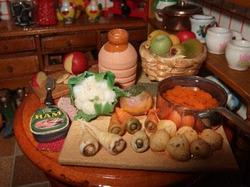 """Tabla de vegetales de """"Country Contrast"""". El tarro de barro y otros que están en el suelo me los regaló mi cuñada Aurora."""