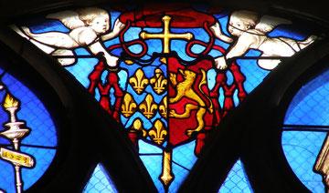 Cathédrale de Bourges - Dans le vitrail de la chapelle Ste Anne