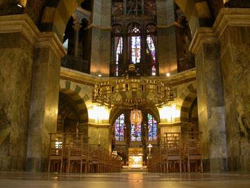 Interior de la Capilla de Aquisgrán, resurgir del cristianismo, Carlomagno
