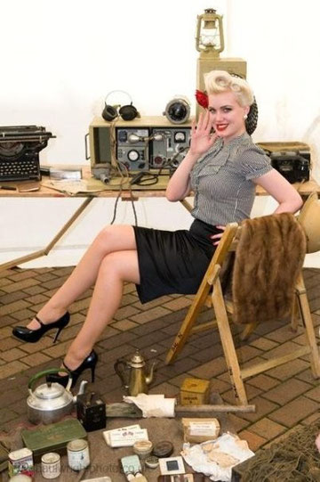 Modelo pin up radio operadora.