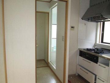 不要となった2階の浴室、キッチン