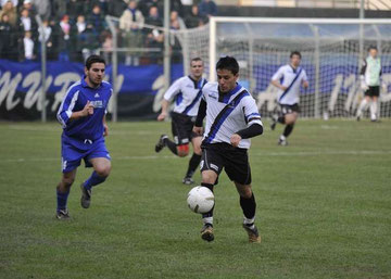 Cuneo fugge palla al piede
