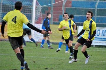 71': Cinquepalmi festeggia il gol vittoria