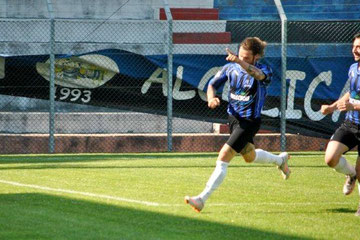 44': Balbo esulta dopo il gol del 2-1