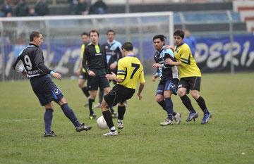 Gigliotti e Ciaramitaro lottano a metà campo