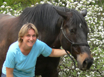 Die Rittführerin mit ihrem Pferd