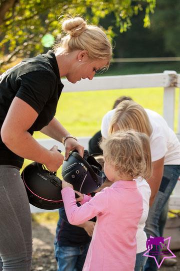 Fotoshooting mit Pferd, Kleine Reiter ganz groß - so lernen Kinder das Pfede-Abc, Kinderreitunterricht