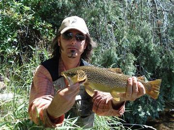 Io che tengo in braccio il fratello - Roaring Fork River