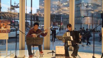 ヤマハミュージック東海浜松店1Fオープンステージにて