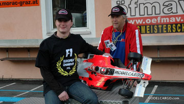 Glücklich Marko Grigic EC CHAMPION 2011 am STÖHR - RING