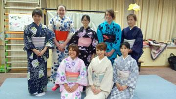 15歳という若さの彼女たち・・・浴衣を羽織って本当に嬉しそう!!  日本での貴重な体験といい思い出になって欲しいと思います。