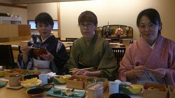 岐阜県下呂市森着物着付け教室「あゆみキモノ学院」徳川美術館へ はいから和生活写真館