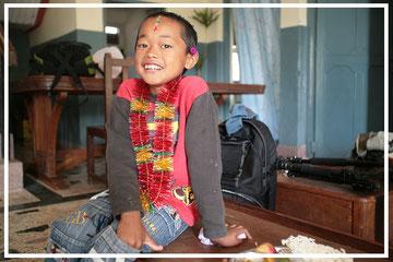 Spendenübergabe-Juergen-Sedlmayr-Nepal56