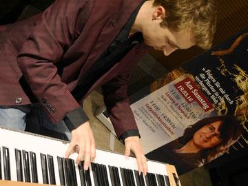 Lesungsmusik Lesung Musik Buch Autor live Klavier Komponist