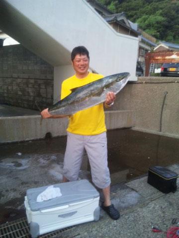 完全ふかせ釣りの福井県玄達瀬遊漁で遊漁船龍神丸最高記録 ヒラマサ108cm 8kg