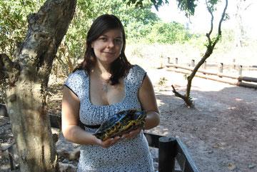 moi et une tortue de Floride dans le parc