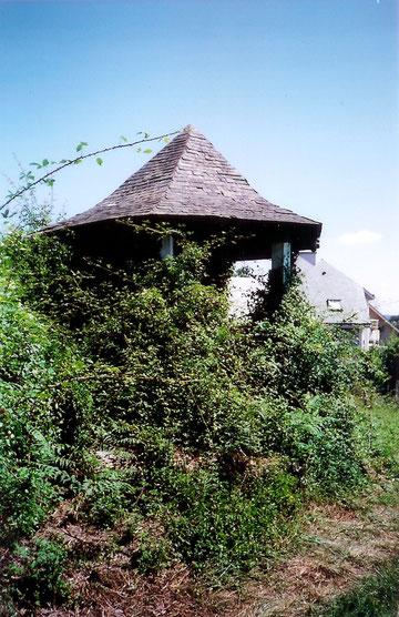 Le kiosque que fit construire le ténor Vaguet est situé en face de sa maison.