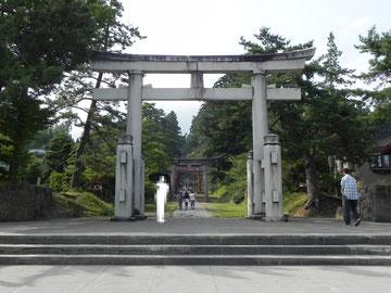 境内入口の壱ノ鳥居