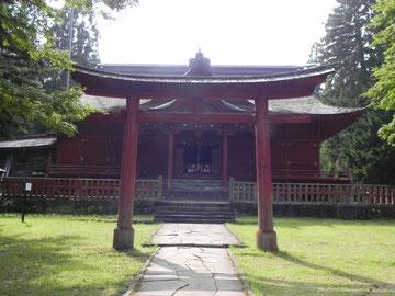四之鳥居と拝殿