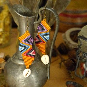 kp kitsch-paradise artisans créateurs boucle zigzag d'oreille macramé création tissage micromacramé couleur nature art colle dentelle cauri coquillage mer plage cote bretagne
