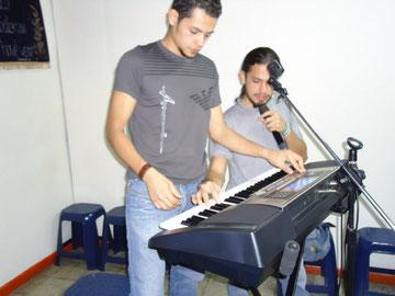 Juan y Jhonatan hijos de Adolfo