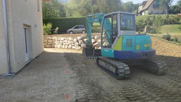 Enrochement et Rocaille en cours de construction