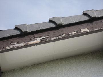 幕板木部の塗替え前 剥がれ状況。