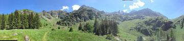 Gîte de Montagne, à 8 km de Bagnères de Luchon, pour 6 personnes(3 chambres)