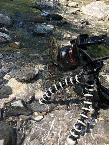 Einsatz des Gorillapod* im Flussbett