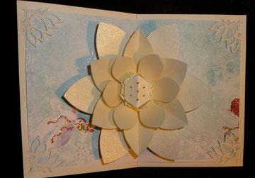 Und zum Schluss meine Lieblingskarte: Mit Lotusblume!