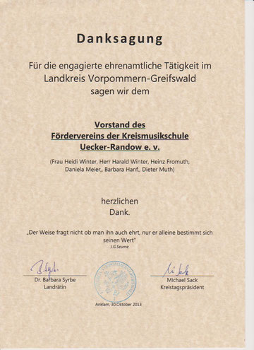 Urkunde der Landrätin und des Kreistagspräsidenten