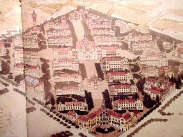 So sah die ursprüngliche Planung des Hospitals Santa Creu i Sant Pau aus.  Ganz vorne das Empfangsgebäude,  auf der Hauptstraße kommt dann die Chirurgie, in der Mitte der Konvent. Der hintere nördliche Teil des Komplexes wurde nicht fertiggestellt.