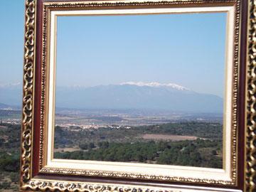 Der Canigó -heiliger Berg der Katalanen - im Blickwinkel