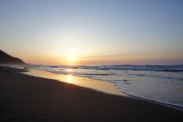 なおえつ海岸からの夕日。明日もいいことありますように。