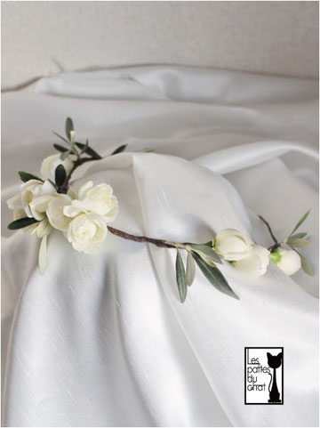 花冠 オリーブ 白バラ