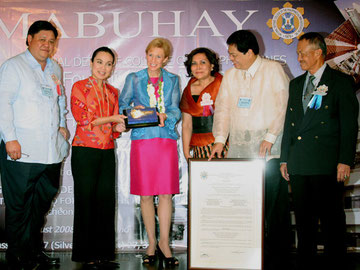 Loren Legarda (Second from Left)