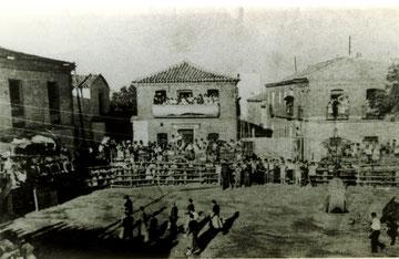 Plaza de toros en la plaza del ayuntamiento 1957