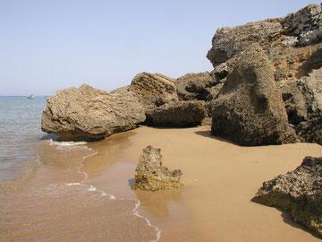 einsamer Strand auf Zakynthos