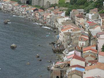 Blick vom Castello Ruffo auf Scilla