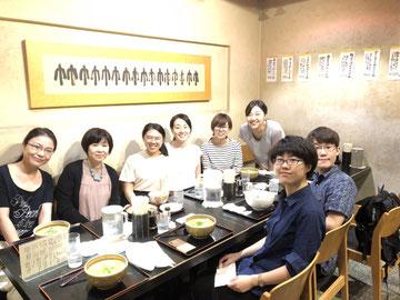 7/1 大学近くのうどん屋(竹や)でSIMさん(後列左から3人目)を囲んでのランチ会。いつもニコニコ可愛い学生さんです。