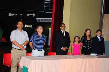 LANZAMIENTO DE MI PRIMER LIBRO EL DÍA 05 DE MARZO DEL 2009, EN COMPAÑIA DEL ALCALDE Y OTRAS PERSONALIDADES