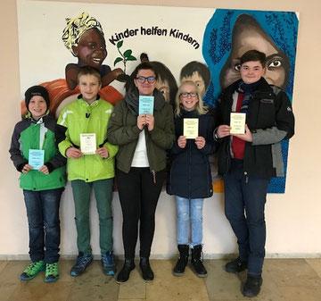 v.l. Tom Hesslinger, 5a, Frederic Götzelmann, 8c, Alexia Ile, 7b, Emily Drexel, 7b, Niklas Käfer, 9a