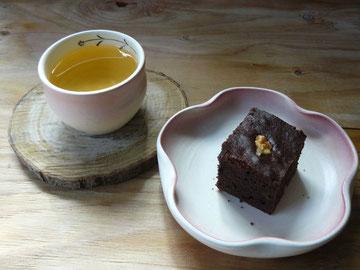 ベトナム茶でおやつ